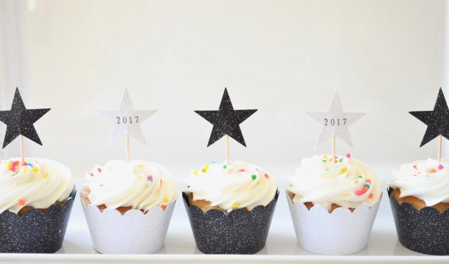 Mariage - Sparkle Star Cupcake toppers, hand stamped 2017/2018 Graduation and New Year's stars