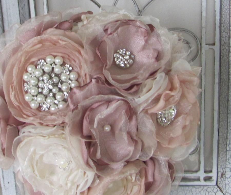 Mariage - Fabric Bridal  Wedding Bouquet, Brooch Bouquet, Vintage Style Bridal Bouquet, Handmade Fabric Bouquet, Weddings, Dusty Rose Pink
