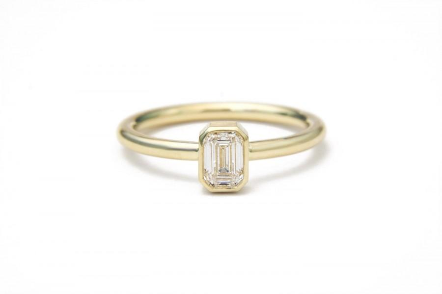 Свадьба - Emerald cut diamond 18k yellow gold engagement ring. Step cut either asscher cut or emerald. Simple bezel ring with milgrain detail