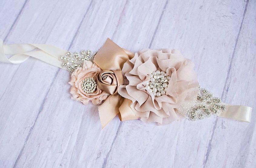 Mariage - Bridal Belt, Rustic Bridal Sash, Burlap Flower Girl Sash, Bridal Belt, Beige Sash, Bridesmaid Sashes, Maternity Sash, Flower Girl Sash