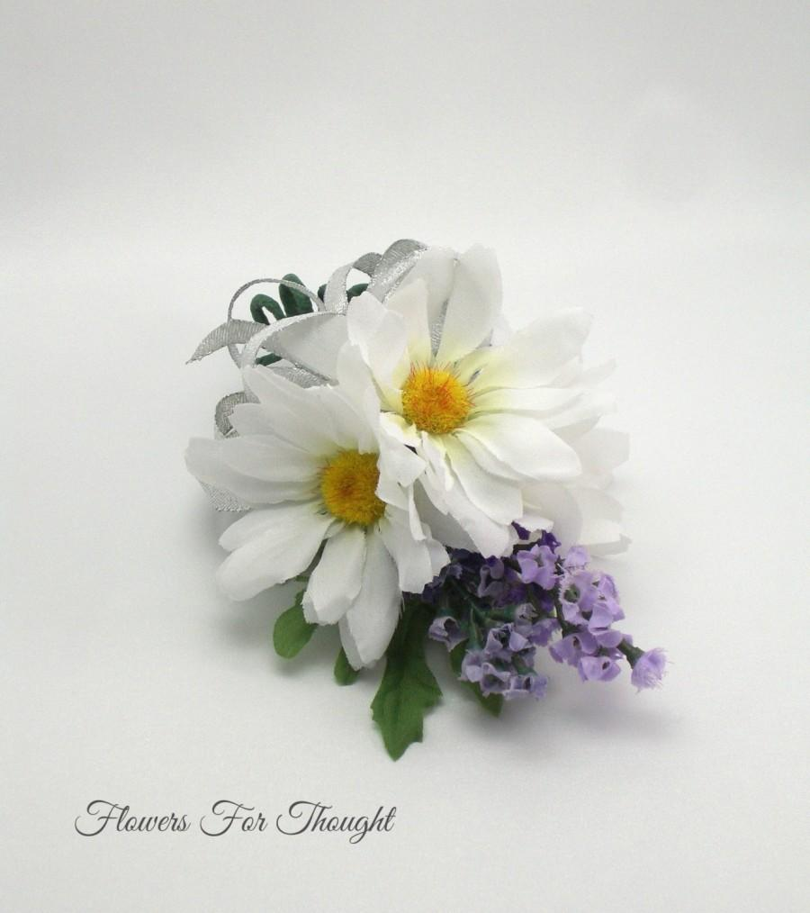 Mariage - Daisy Lavender Corsage, Wedding, Prom, Special Occasion Flowers