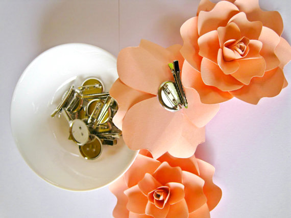 Mariage - Pale Peach Paper Flower Brooch,  Paper Wedding Hair Accessory, Paper Corsage, Boutonniere, Paper Flower Hair Clip, Paper Wedding Barrette