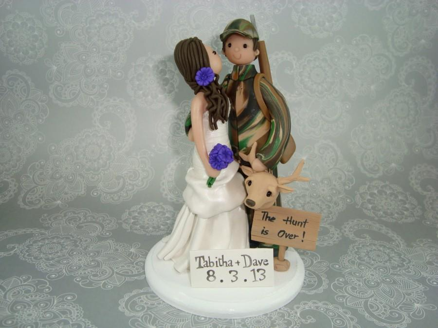 Mariage - Custom Bride and Groom Hunting theme Wedding Cake Topper