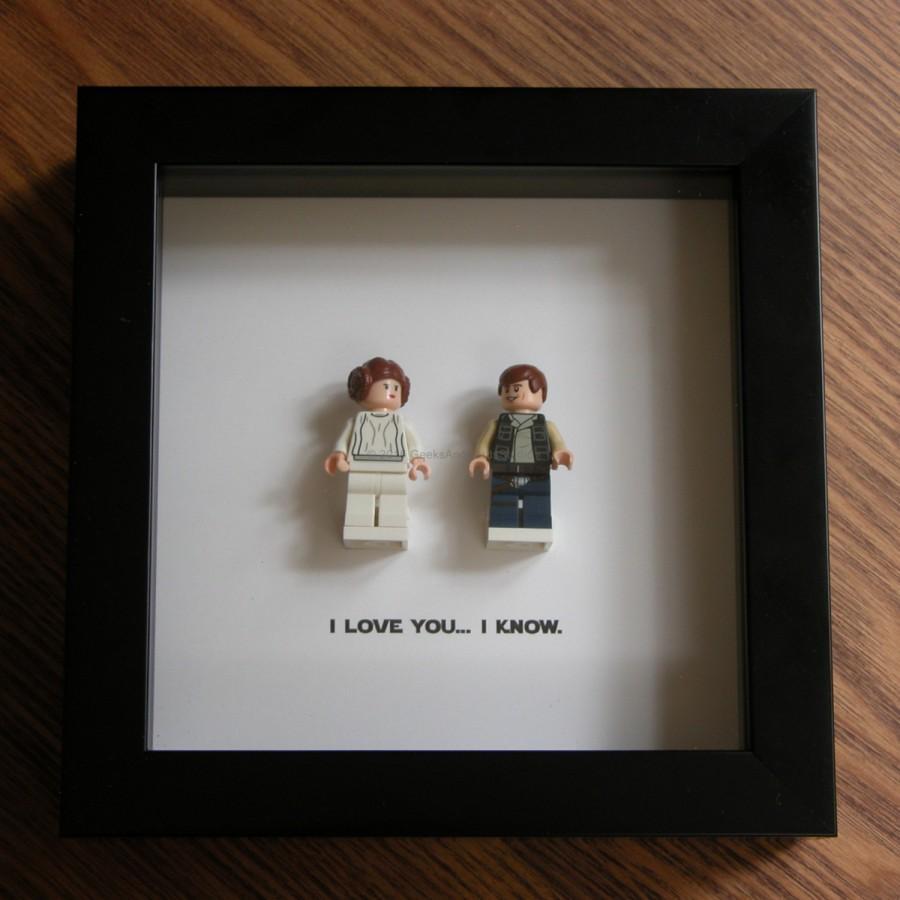 Mariage - LEGO Star Wars Art Frame - Han Solo & Princess Leia - LEGO Minifigure Display - Wedding Gift - Wall Decor - Picture Frames Displays