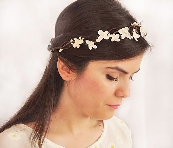 Mariage - white head wreath. Wedding flower crown, Hair floral crown, Wedding Hairpiece, Rustic Head Wreath, wedding Accessories