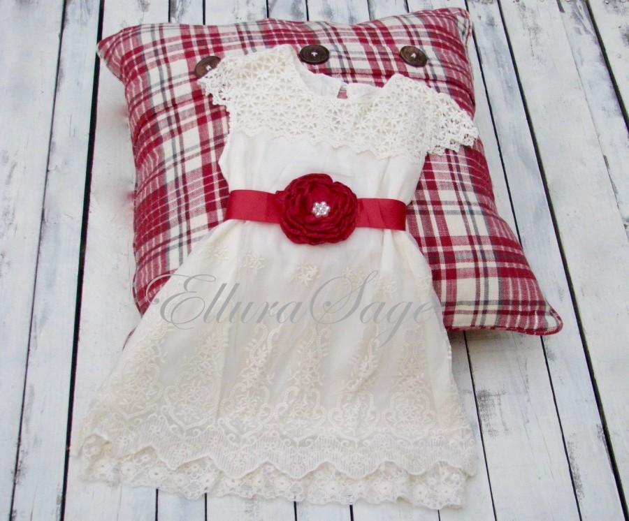 Mariage - Girls Christmas dress,red girls Valentines dress,lace christmas dress, cream christmas dress,baby Christmas dress, Boho Valentines dress