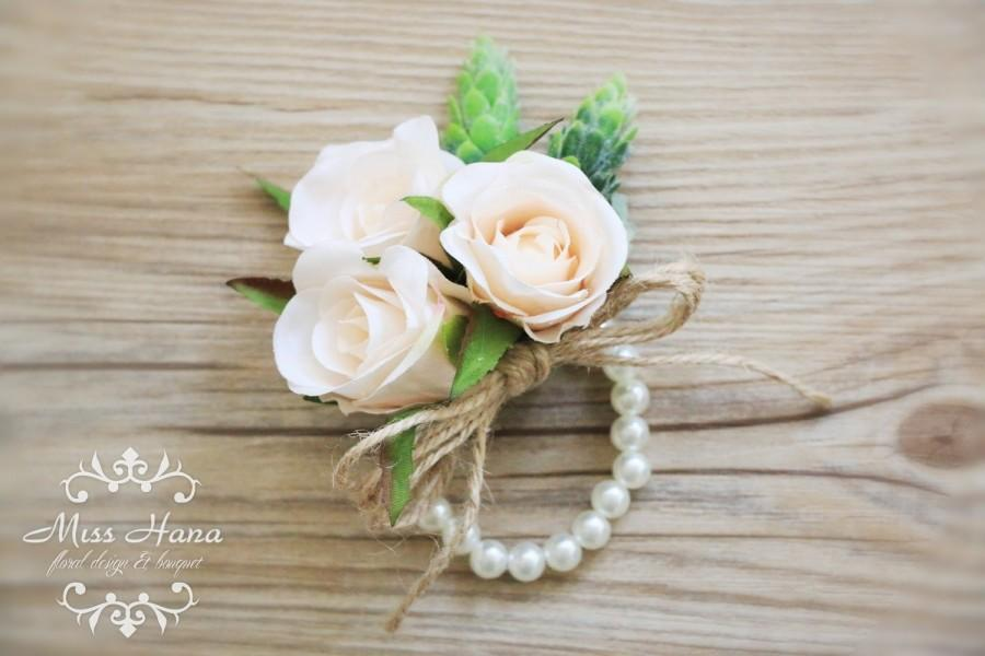 Mariage - Champagne rose corsage, Rustic Vintage Wrist corsage, pearl wrist corsage, bulap twine Chic Romantic Elegant bridesmaid woodland wedding