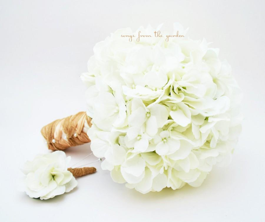 Свадьба - Silk Flower Wedding Bouquet White Silk Hydrangea Groom's Boutonniere - Silk Flower Bridal Bouquet White Hydrangea Jute Tan Ivory Ribbon