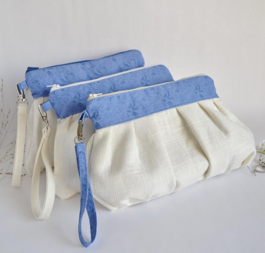 Mariage - Set of 3  Bridesmaid Clutch Pleated Wristlet Pouch Make Up Bag Ivory Blue Floral Linen Cotton