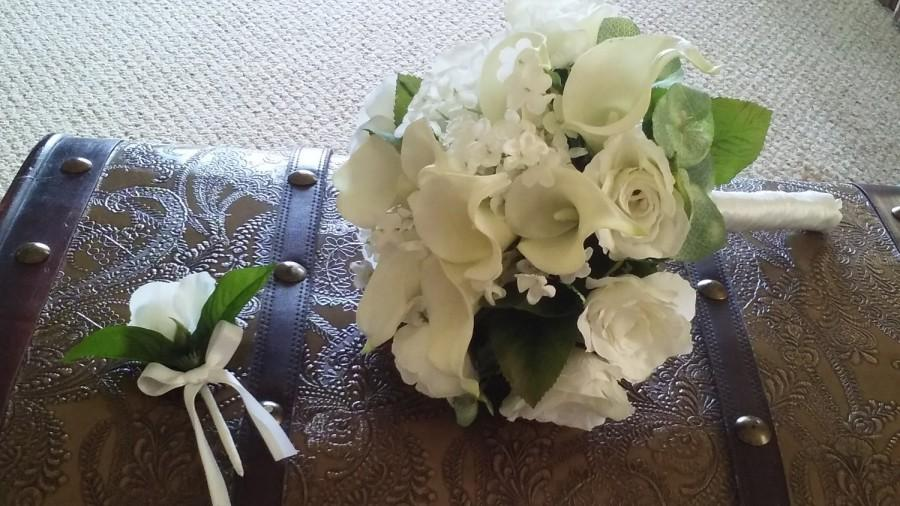 Свадьба - White Wedding Bouquet and Boutonniere with Calla Lillies and Roses