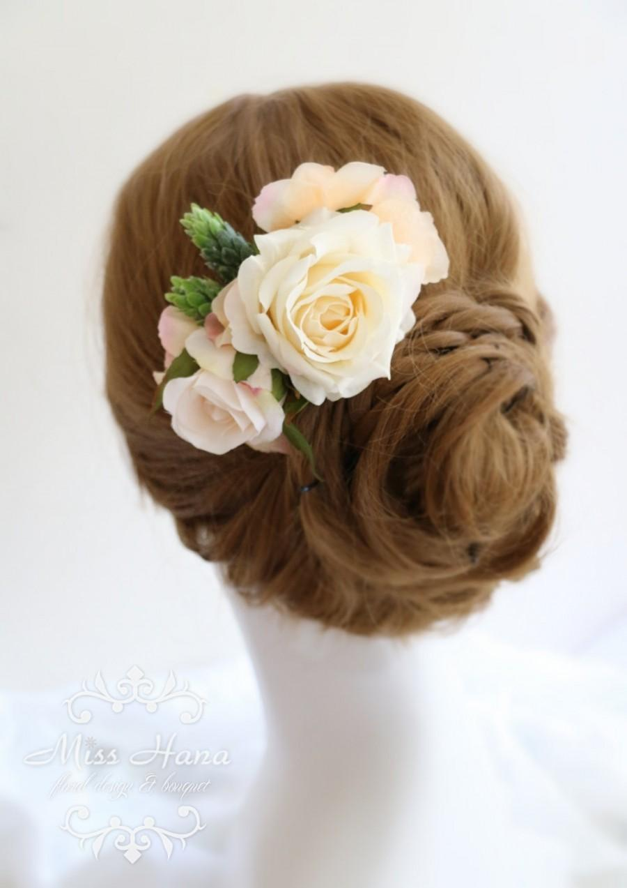 Hochzeit - Bridal Hair Accessory, Silk Flower Hair comb headpiece, Ivory peach flower, Bridesmaid headpiece, Rustic Romantic outdoor wedding woodland