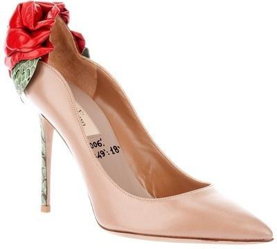 Hochzeit - VALENTINO Flower Shoe