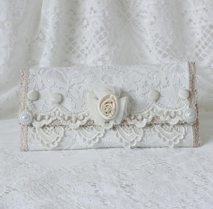 Hochzeit - White Lace Fold Over Clutch , Wedding Purse , Bridesmaid Clutch , Handmade Purse , Wedding Clutch , Evening Clutch , Fabric Clutch , Elegant