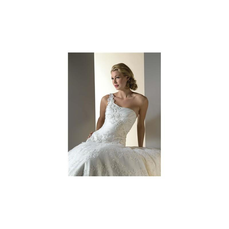 Essence By Bonny Wedding Dress Style No 8009 Brand Wedding
