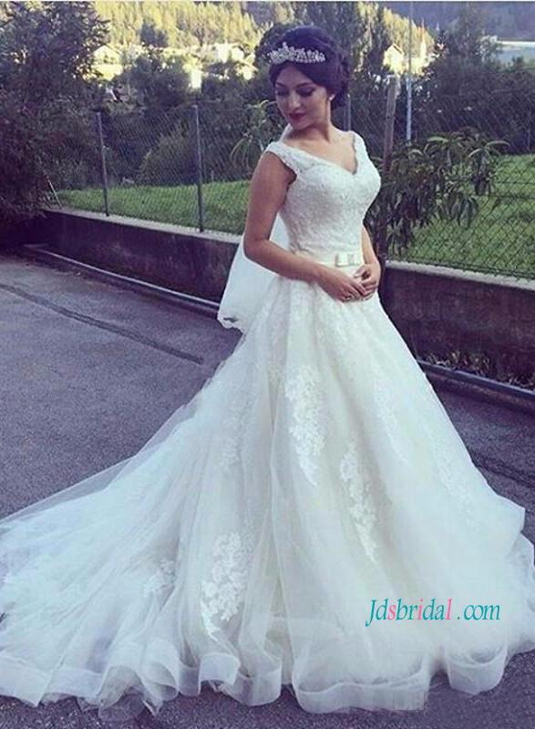 Mariage - Strappy v neck lace princess ball gown wedding dress