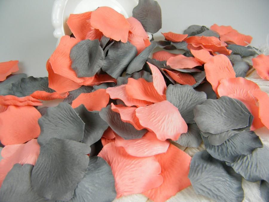 Mariage - Coral & Grey Artificial Rose Petals
