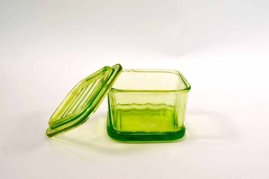 زفاف - Vintage Glass Refrigerator Dish, Square Refrigerator dish, Vaseline Glass Dish, Green Vaseline Dish, Dish with Lid, Kitchen Storage, Fridge