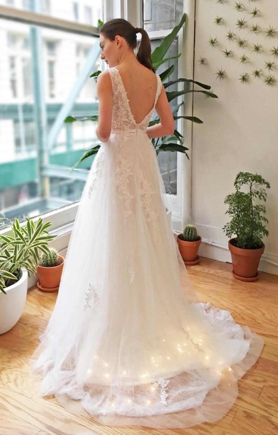 Mariage - White Deep V Back Lace Wedding Dress