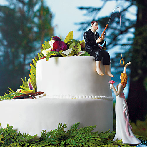 Свадьба - Hooked on Love Bride Groom Couple Wedding Cake Topper- Romantic Porcelain Fishing Groom's Fisherman Cake idea Fish loving Sports Couple