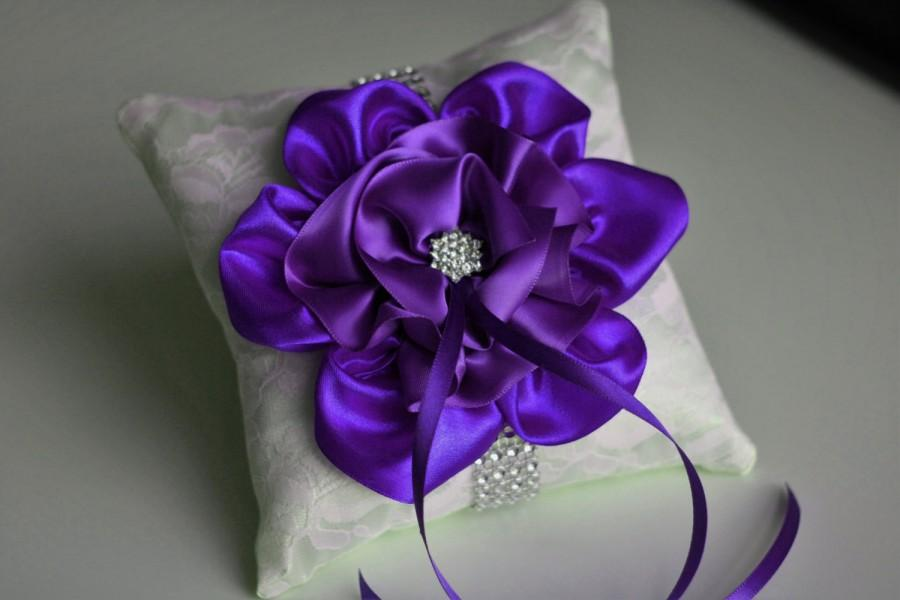 Düğün - Purple Ring Bearer Pillow  Lace Wedding Pillow  Purple Wedding Bearer  Orchid Ring Holder  Wedding Ring Bearer  Ivory Purple Bearer - $28.00 USD