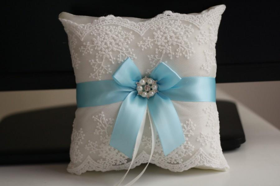 Hochzeit - Sky Blue Wedding Pillow  Light Blue Ring Bearer Pillow  Blue Flower Girl Basket  Lace Blue Bearer Pillow  Lace Wedding Pillow Basket Set - $28.00 USD