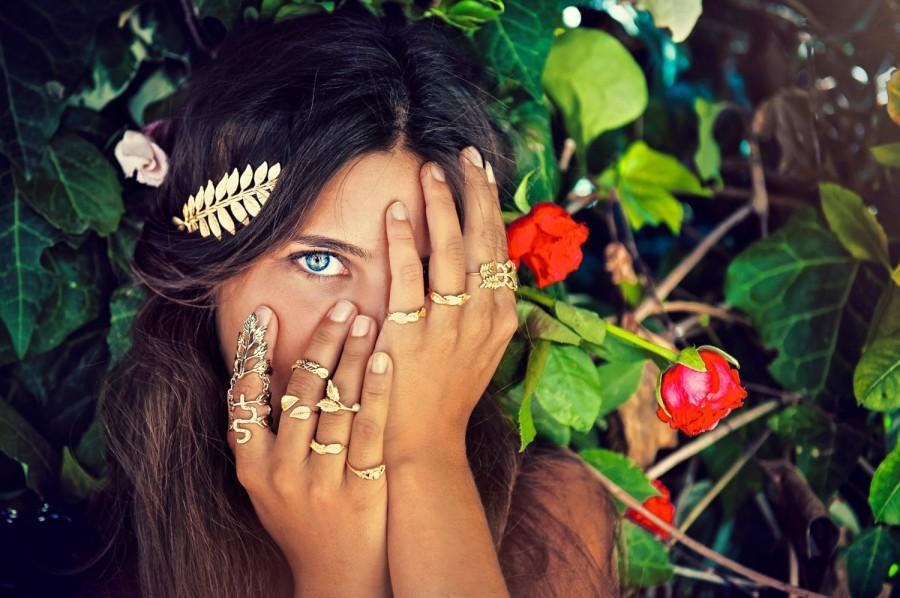 Свадьба - Athena Goddess Headband, Roman Tiara, Bridal Hair Accessory, Greek Goddess Headband, Bridal Tiara, Bride Golden Leaves Laurel Wreath