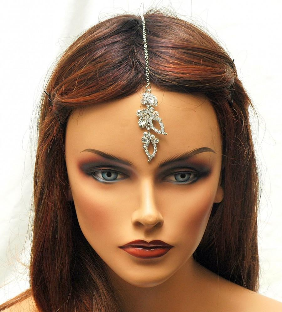 Hochzeit - FREE SHIPPING Tikka Headpiece, Crystal Hair Chain, prom, Bridal Headpiece, Indian Maang Tikka, Wedding Hair Accessories, Hair Jewelry - $22.00 USD