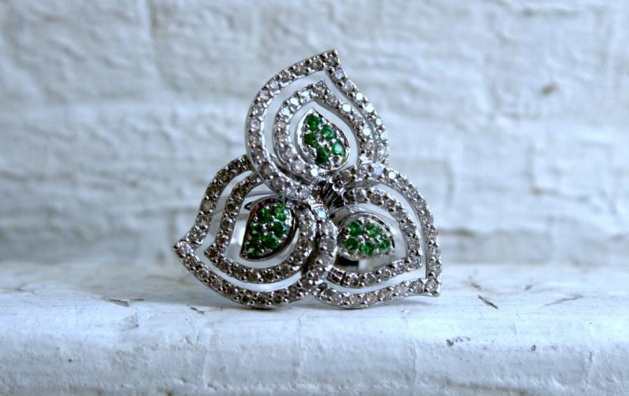 Mariage - Vintage 14K White Gold Diamond and Emerald Leaf Ring - 1.06ct.