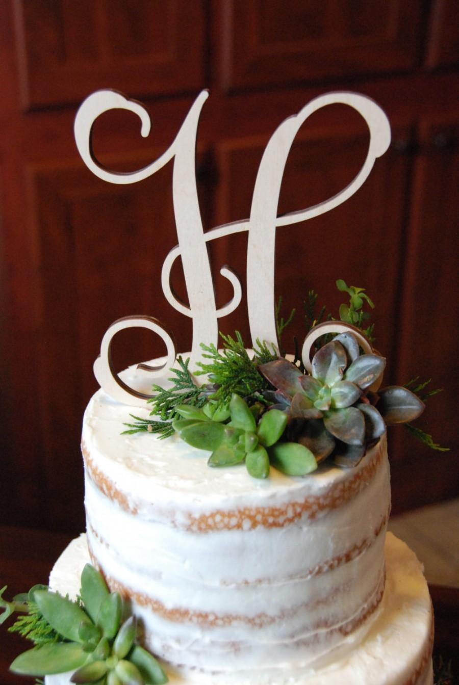 Свадьба - Personalized Cake Topper - Bride's Cake - Initial Cake Topper - Painted