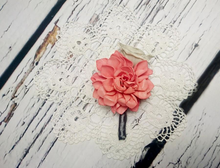 Свадьба - Coral grey white wedding Groom and groomsmen boutonniere, Wedding Flowers satin custom