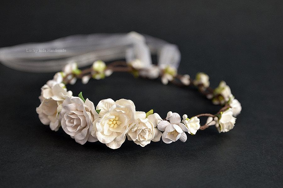 Hochzeit - Cream White woodland flower crown - Wedding Flower Crown - Bridal floral crown - White flower crown - Ivory white floral crown - Boho crown