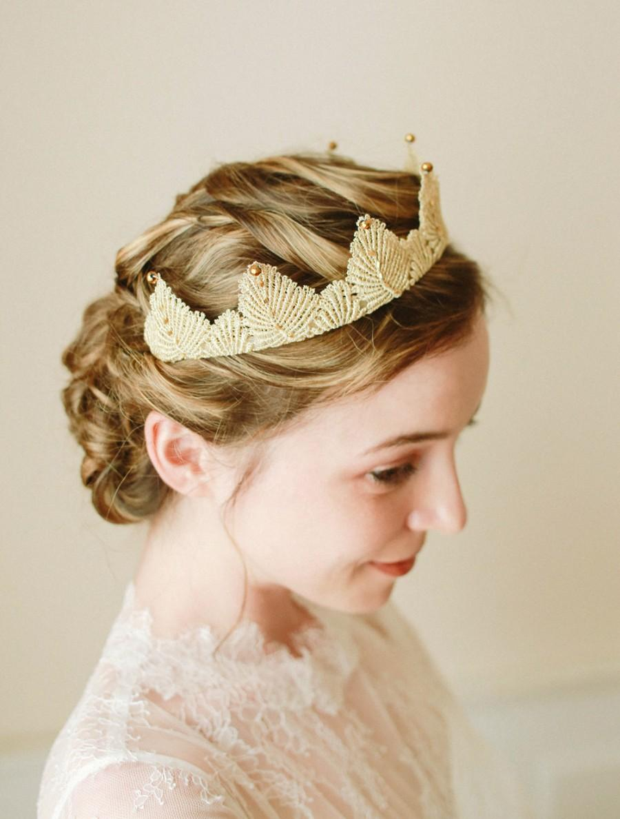 Свадьба - Wedding lace tiara, bridal tiara, photo prop, gold weddng headband, bridal headpiece, princess corwn - style 223