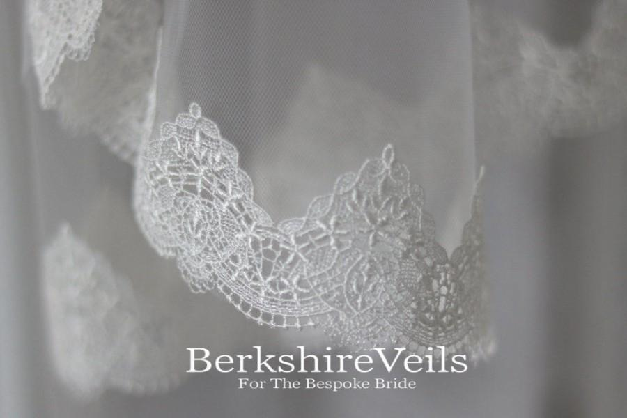 Wedding - Chapel Length Ivory Veil With A Venice Lace Trim