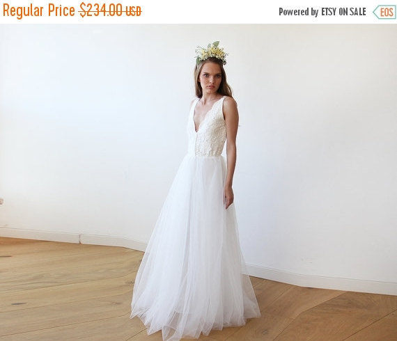 Свадьба - Women Day Sale Ivory tulle and lace wedding gown, Lace bridal gown, Tulle wedding empire dress 1113