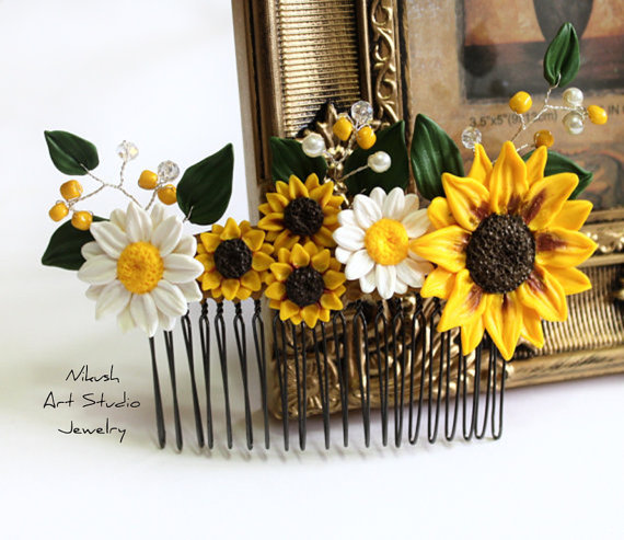 Свадьба - Sunflower Daisies Hair Comb, Sunflower Wedding, Large Sunflower Hair Comb, Bridesmaids Gift, Yellow Wedding, Woodland Wedding, Bridal