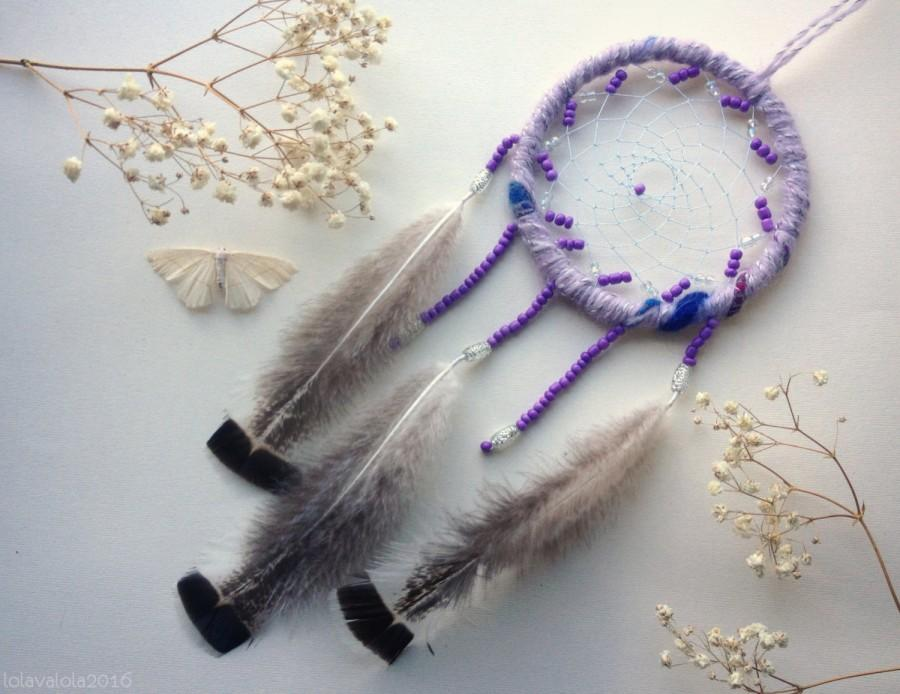 Mariage - FREE SHIPPING Violet dreamcatcher with fluffy feathers and beads