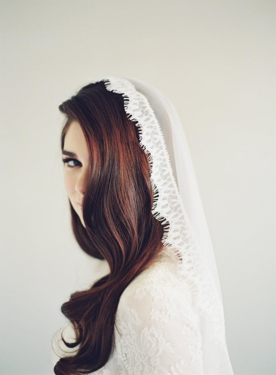 Mariage - Lace Mantilla Veil, Wedding Veil, Eyelash, Chantilly Lace, English Net Veil, Mantilla Veil, Cathedral Length Veil, English Veil, 1614