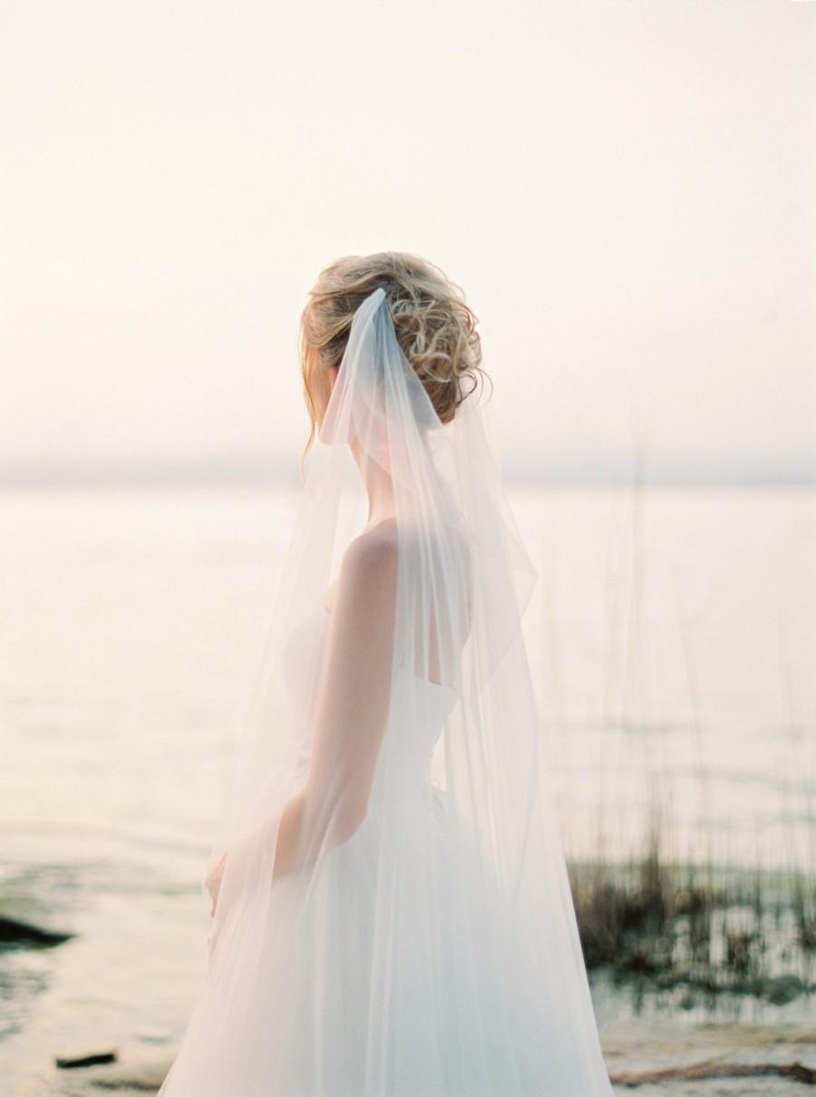 Mariage - Draped veil, wedding veil, bridal veil, boho veil, swoop veil, soft tulle veil, romantic veil, beach wedding veil, Style V44
