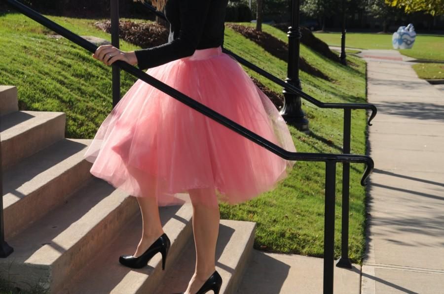 Свадьба - Adult Tulle skirt,Premium quality soft tulle skirt,custom made from MyFabBoutique! Any SIZE and color available. Girls tutu skirt .