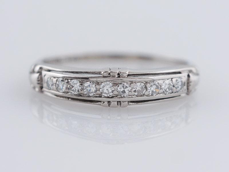 زفاف - Antique Wedding Band Art Deco .15 cttw Single Cut Diamonds in Vintage Platinum