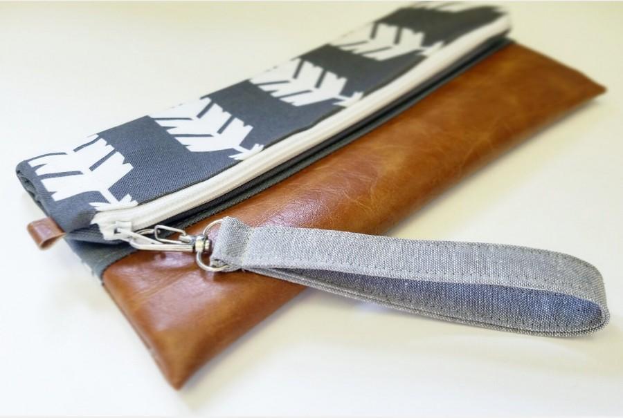 Mariage - Wrist strap/Add a gray linen, detatchable wrist strap to any zipper bag