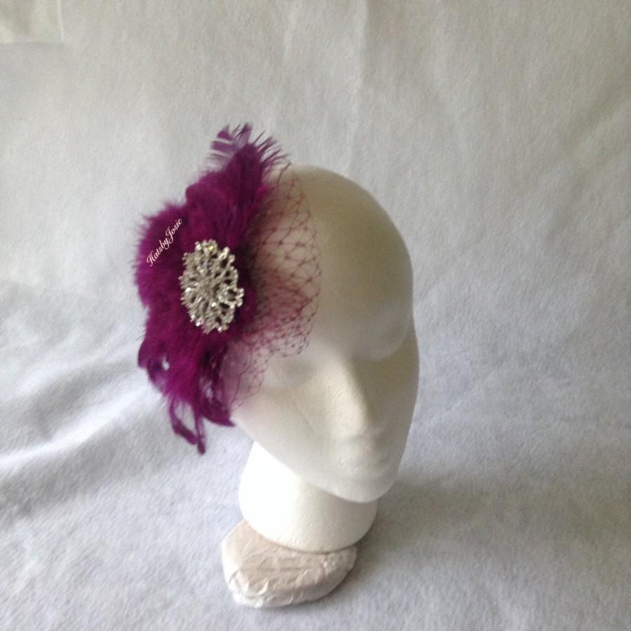 Mariage - Plum fascinator, plum feather hair comb, bridesmaid hair clip, wedding hair accessories, Gatsby feather fascinator,