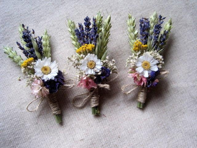 Mariage - Meadow dried flower boutonniere set- 6 groomsman wedding buttonhole rustic country groom wedding decor vintage garden boutonniere