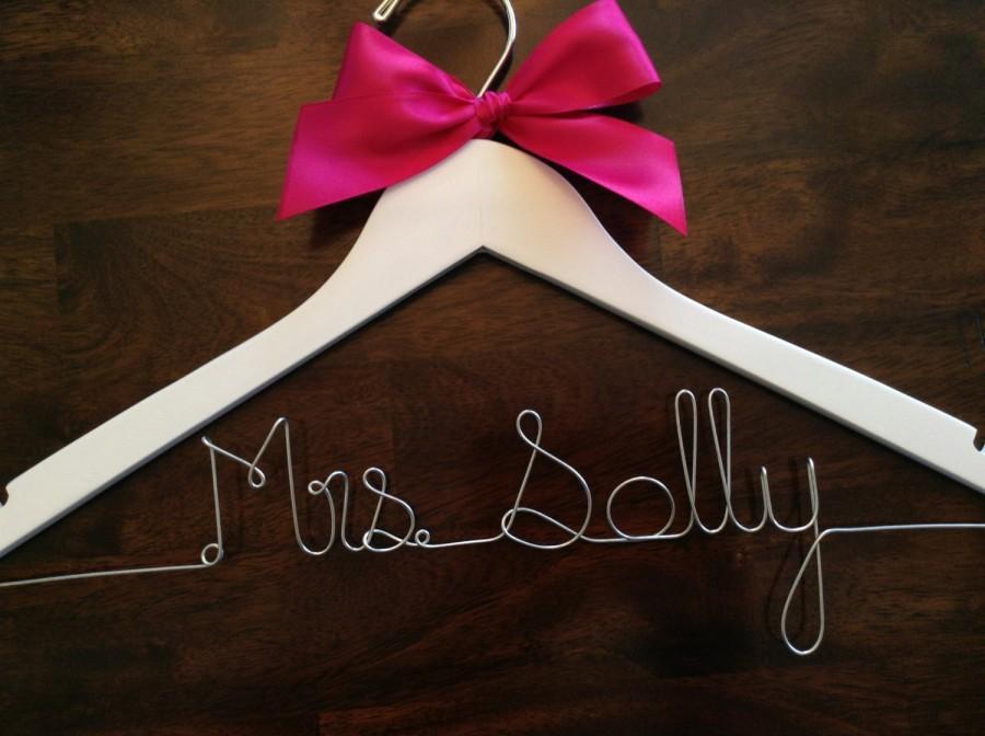زفاف - HUGE SALE Personalized Hangers/ Bride/ Wedding Dress Hanger/Bridal Gift/ bridal party GIFTS/ wire hanger/ wedding hanger
