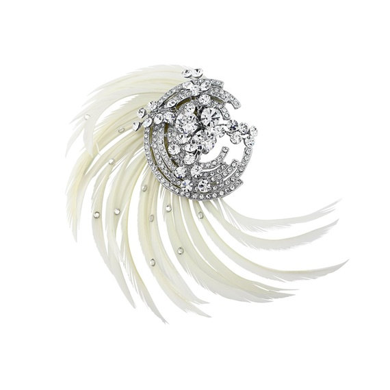 Hochzeit - White Bridal Feather Hair Clip, bridal hair jewellery, bridal hair Couture