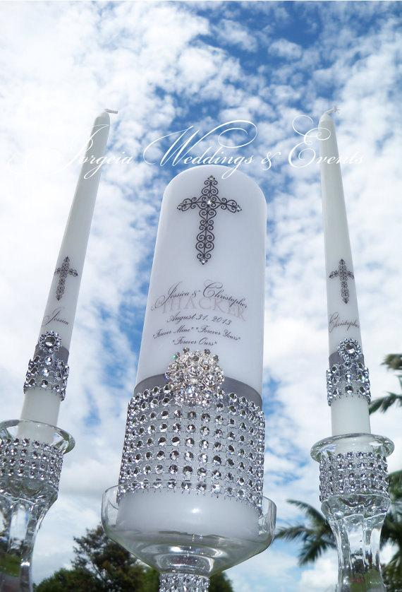 Свадьба - United in Christ... Silver Unity Candle Set, Wedding  Candle, Ceremony Candle, Personalized Candle, Monogrammed Candle, Candle Holders,