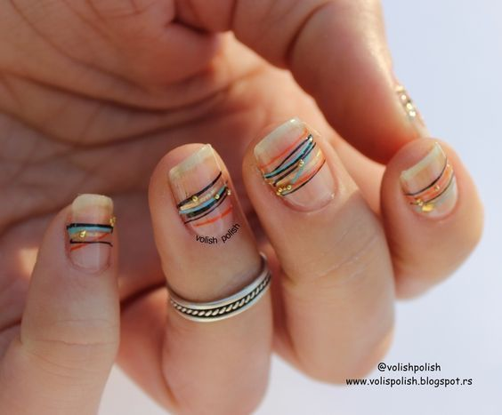 Boda - 50 Gorgeous Minimalist Nail Art Designs