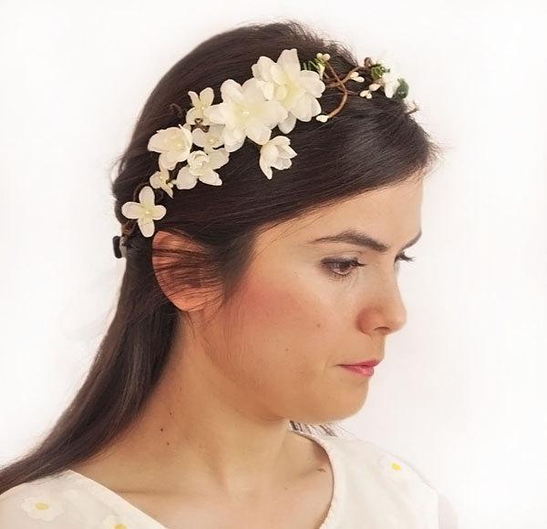 Wedding - white head wreath. Wedding flower crown, Hair floral crown, Wedding Hairpiece, Rustic Head Wreath, wedding Accessories - $64.00 USD