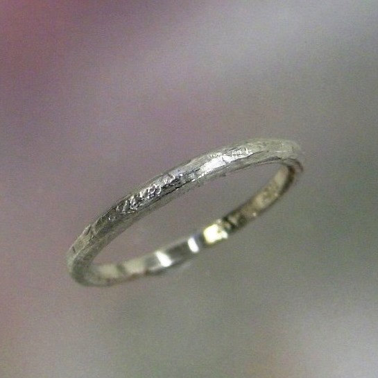 زفاف - Ladies Textured Silver Wedding Band, Womens Silver Stacking Ring, Thin Sterling Band, Silver Ring, Made to Order
