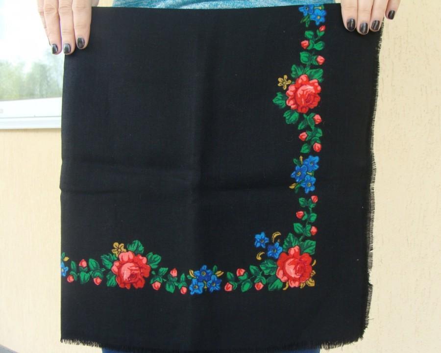 Hochzeit - Russian shawl Russian scarf Chale russe Ukrainian shawl Vintage shawl Wool shawl Floral scarf Black shawl Head scarf Folk shawl Black scarf